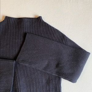 Monki | Cropped navy blue knit mockneck sweater